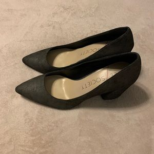 Sole Society Grey Leather Pumps
